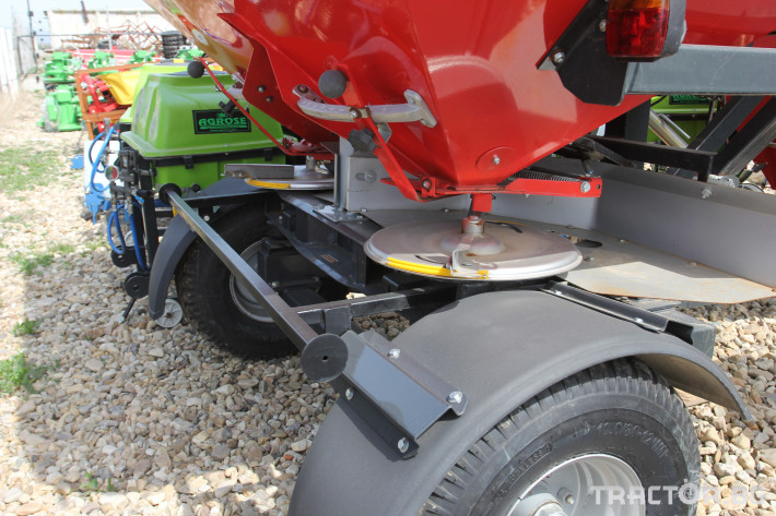Торачки Прикачна торачка Gencler 2500 л. 1 - Трактор БГ