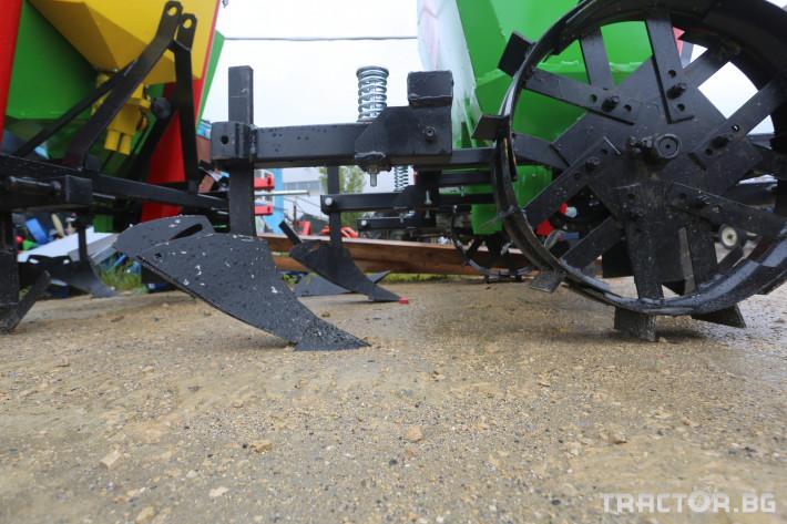 Машини за зеленчуци Картофосадачка двуредова 8 - Трактор БГ